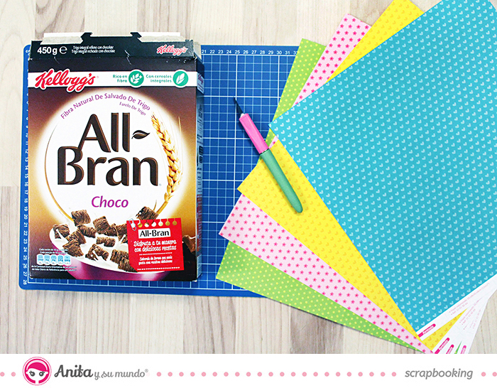 Mini álbum hecho con materiales de scrapbooking